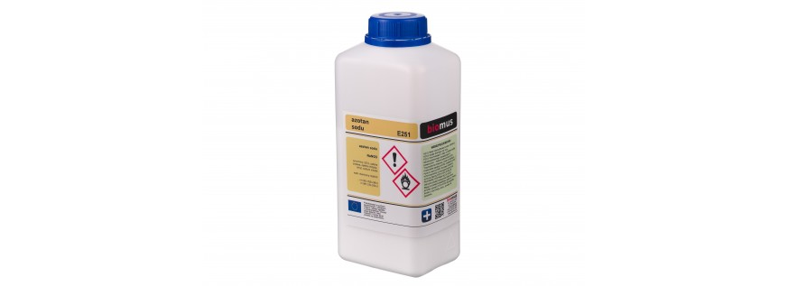 Sodium nitrate. Sodium salt sprayer